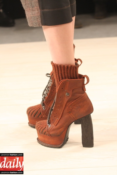 Fashion Shoes For Womens